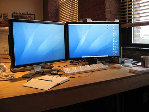 How a Dual Monitor Strategy Can Increase Productivity