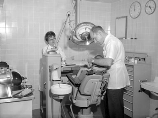 Dentist In The Chair 1960 Review